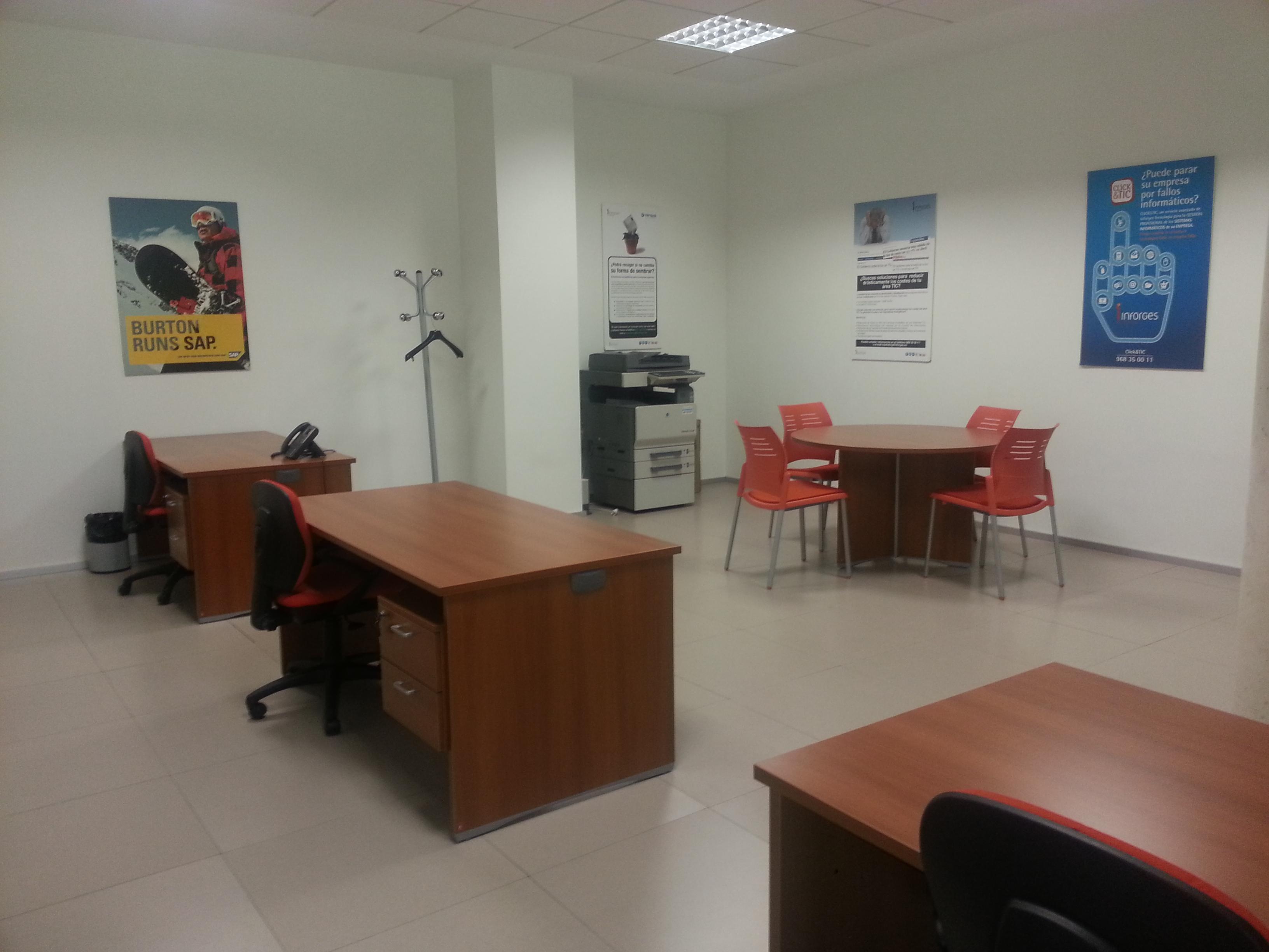 Centro de negocios atalayas alicante alquiler oficinas y for Oficina de empleo alicante